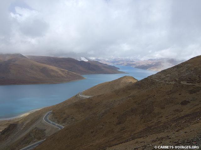 lac Yamdrok tibet