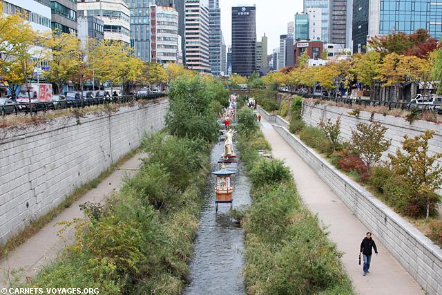 Rivière Cheonggyecheon Séoul Corée du Sud