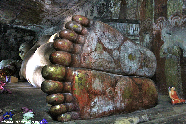 Bouddha couché grottes Dambulla Sri Lanka