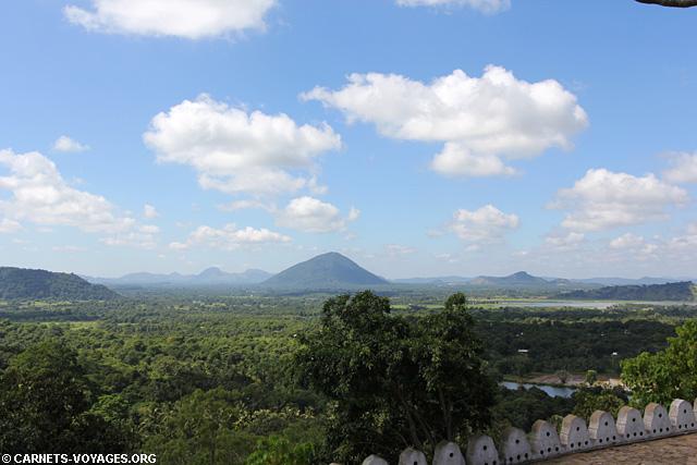 Dambulla vue sur la plaine Triangle Culturel Sri Lanka