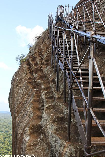 Rocher du Lion escalier Sigiriya Sri Lanka