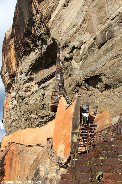 Escalier rocher du Lion Sigiriya Sri Lanka