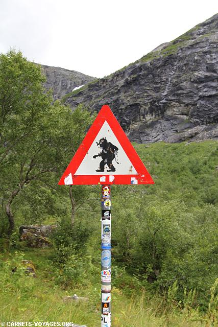 Panneau attention aux trolls à Trollstigen Norvège