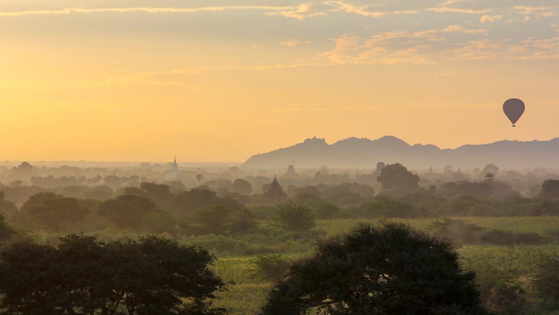 Lever de soleil temples Bagan