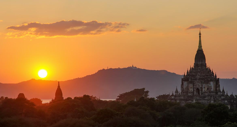 Coucher de soleil temples Bagan