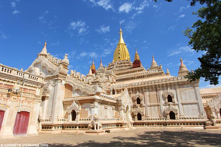 Visiter temples Bagan Birmanie Ananda