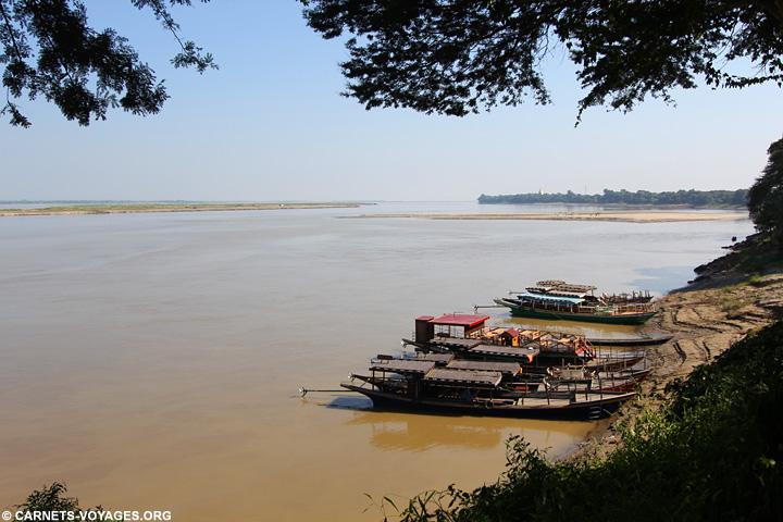 Vue sur le fleuve Irrawaddy depuis Fantasia Jetty and Garden Bagan