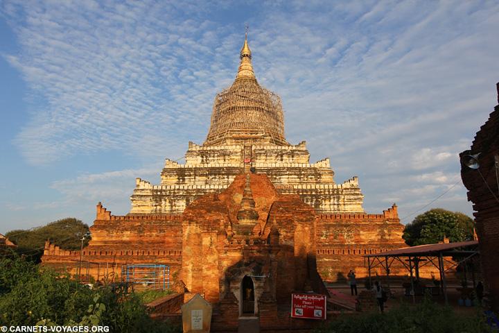Visiter temples Bagan Birmanie