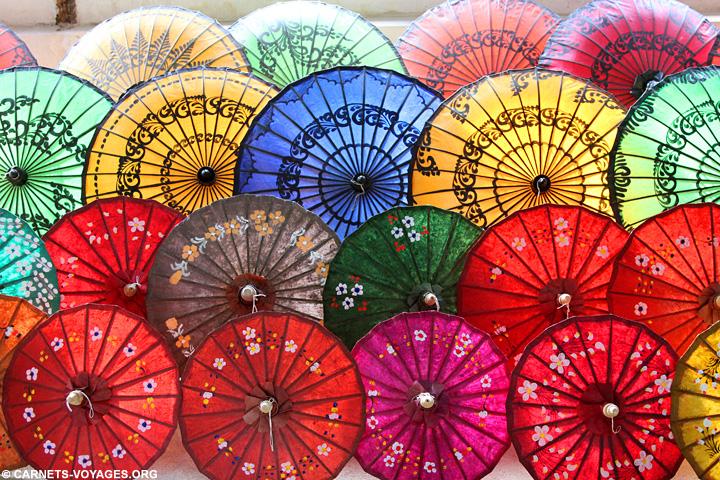 Ombrelle lac Inle Birmanie
