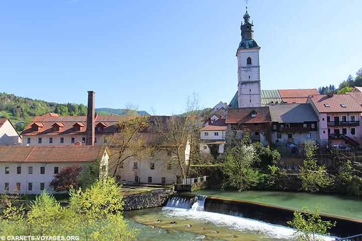 Bourgade médiévale Skoja Loka Slovénie