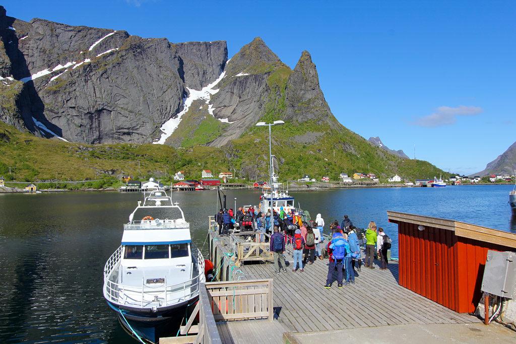 Ferry Reine Vindstad Lofoten