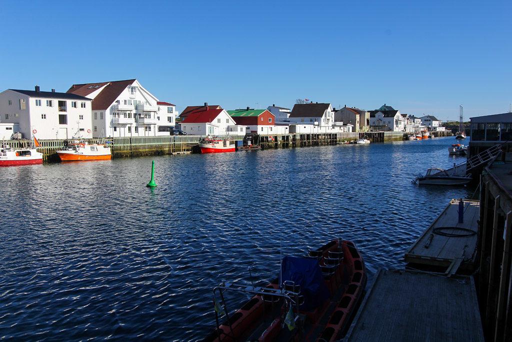 Henningsvaer road trip Lofoten