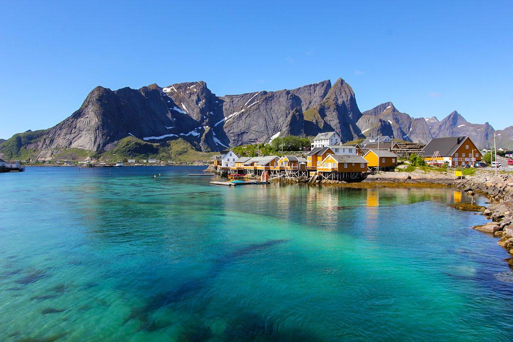 Sakrisøy road trip Lofoten