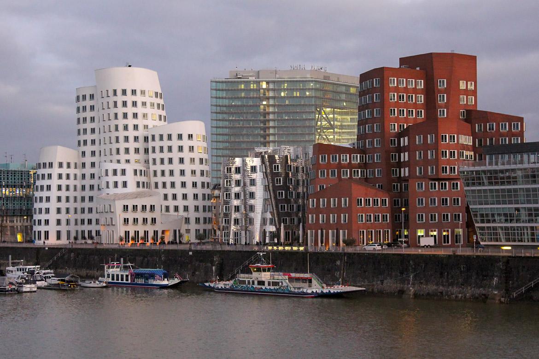 Düsseldorf port des médias (MedienHafen)