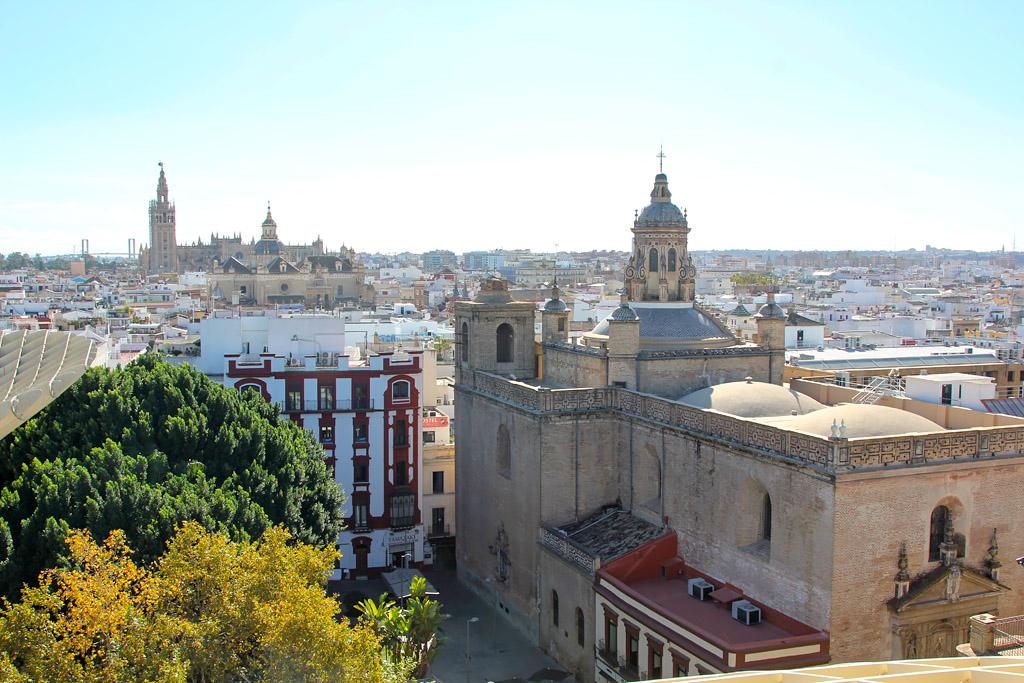 Metropol Parasol vu cathédrale giralda Séville