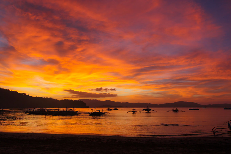 Coucher de soleil plage Port Barton Philippines
