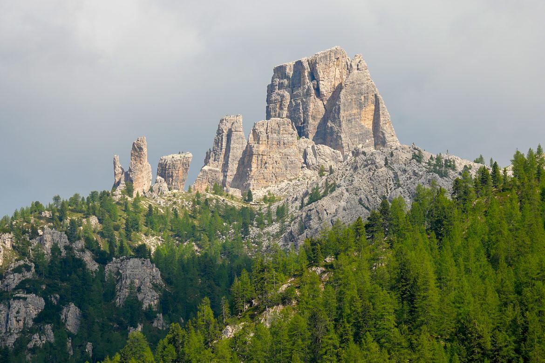 Cinque Torri road trip Dolomites Italie