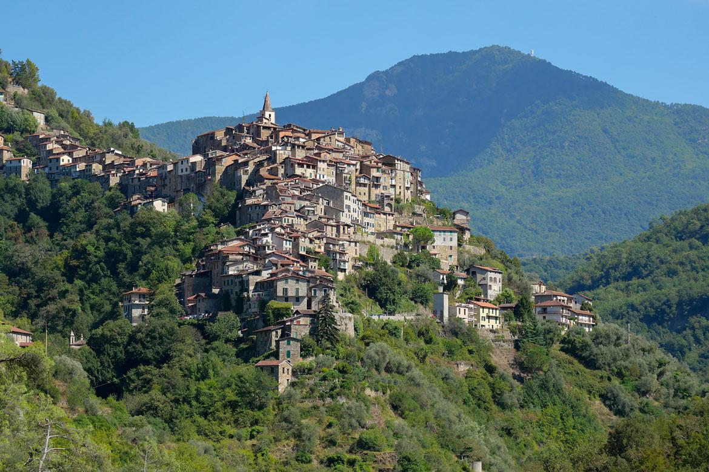 Village perché de Apricale en Italie