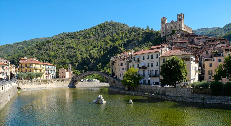 Village Dolceacqua Italie
