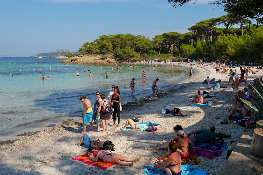 Porquerolles plage d'Argent bondée de touristes