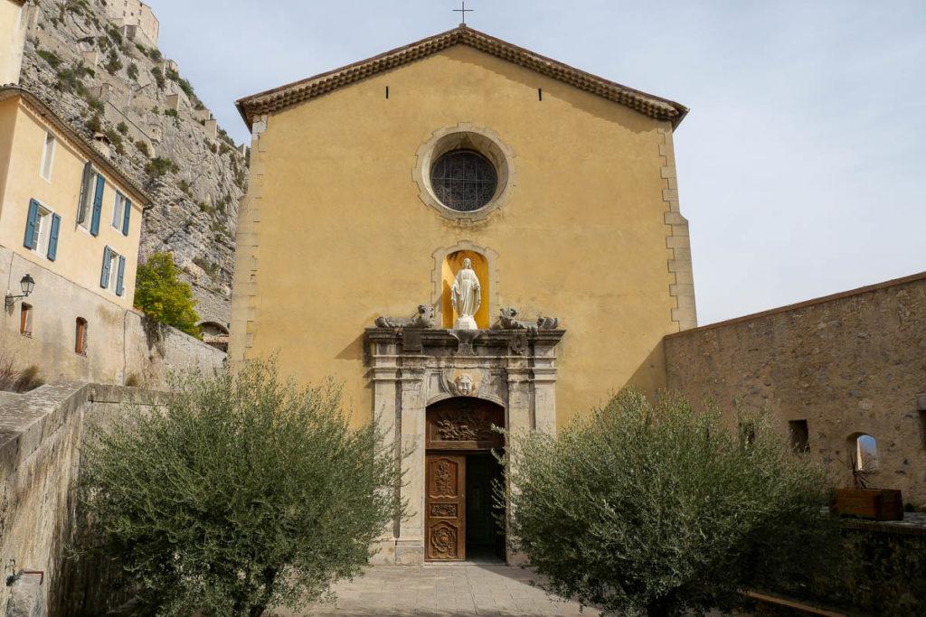 Cathédrale Entrevaux Alpes de Haute Provence