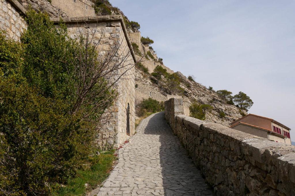 Rampe accès Citadelle Entrevaux