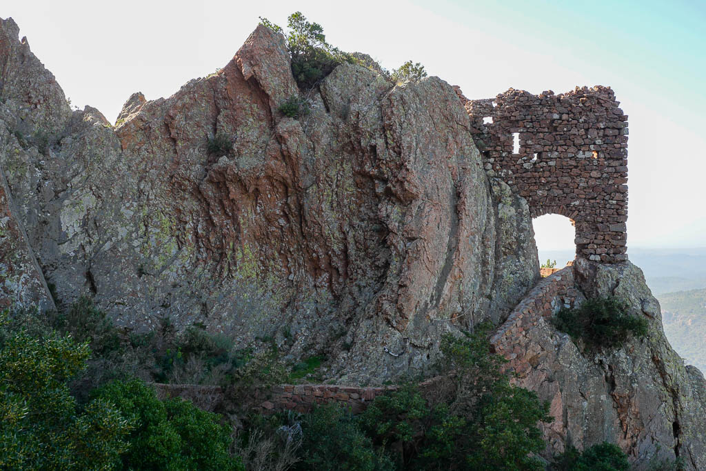 Sentier vers la grotte de la Sainte Baume Var