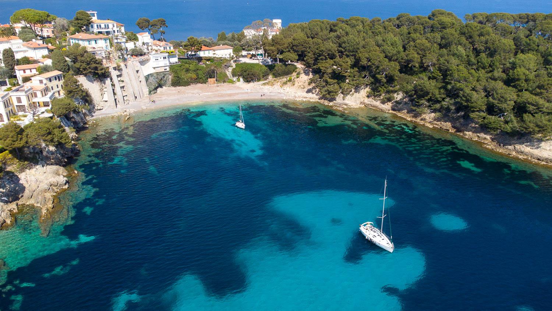 Anse des Fossettes sentier sous marin Saint Jean Cap Ferrat Côte d'Azur (vue Drone)