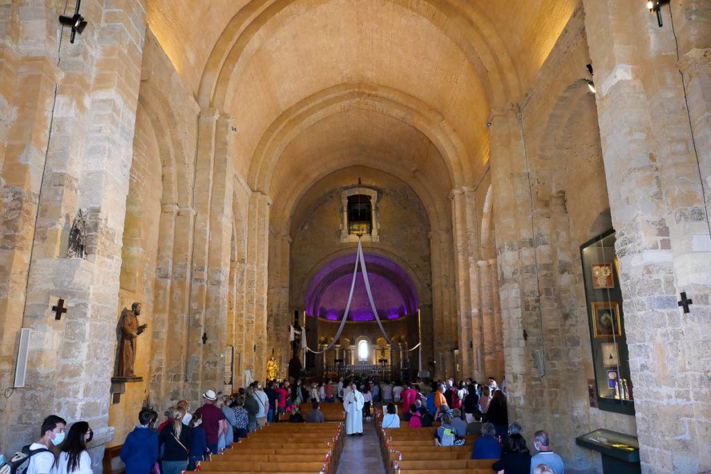 Intérieur église Saintes-Maries-de-la-Mer