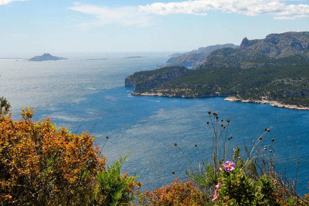 Vue sur les Calanques de Marseille depuis la route des Crêtes