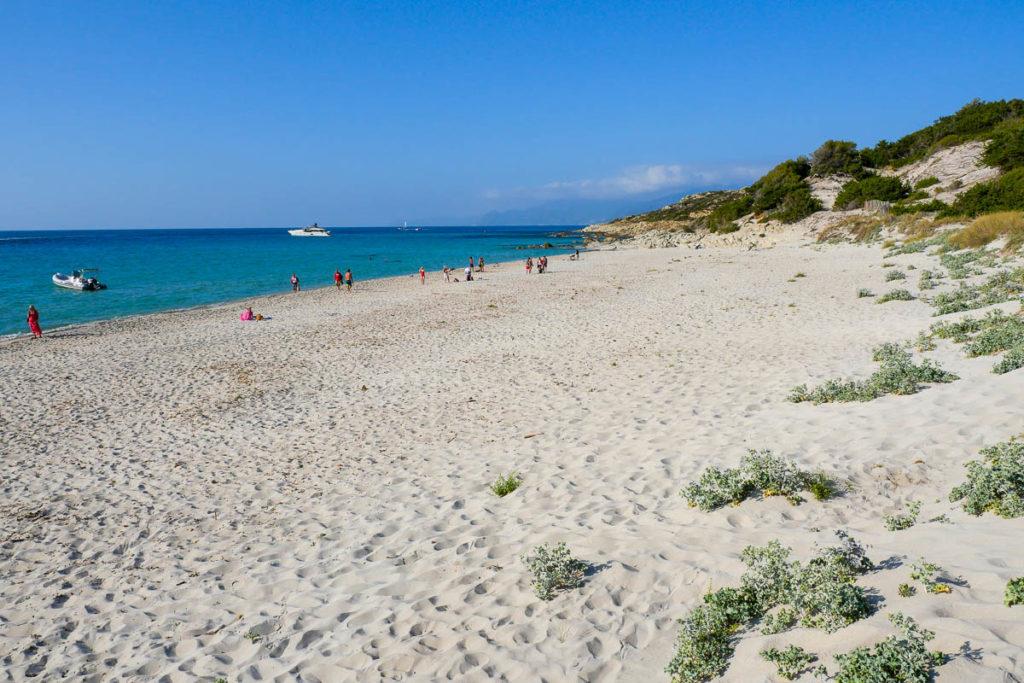 Sable blanc plage de Saleccia désert des Agriates Haute Corse
