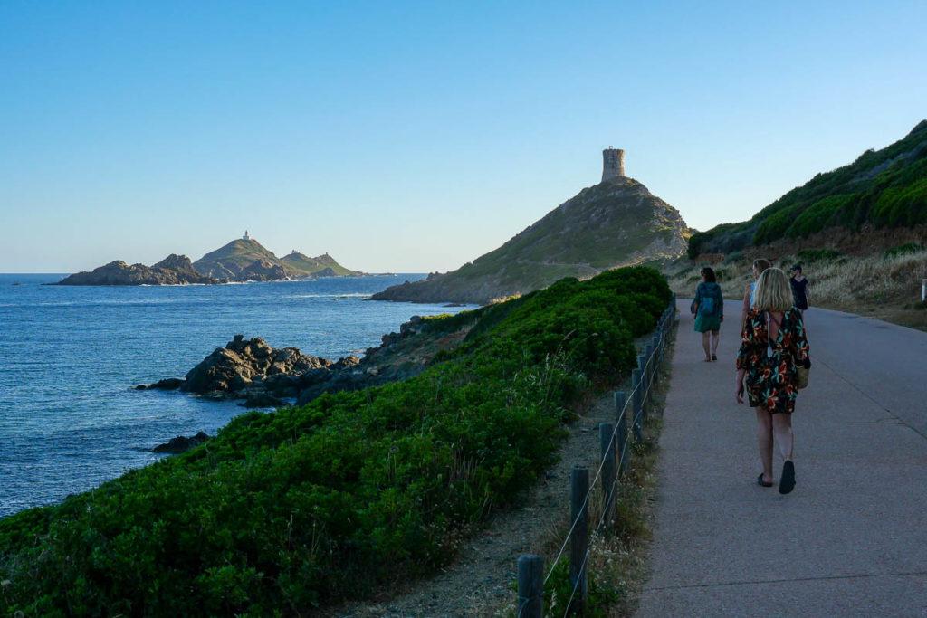 Chemin vers la Pointe de la Parata golfe d'Ajaccio Corse