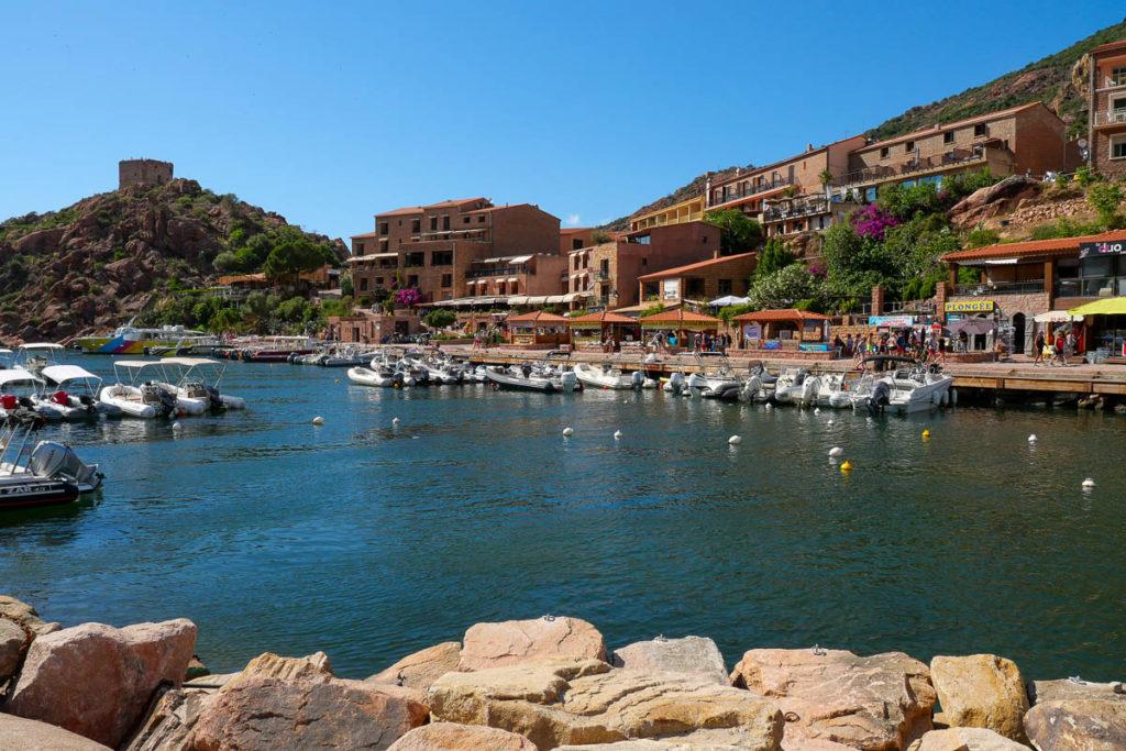 Port marina de Porto Ota Corse