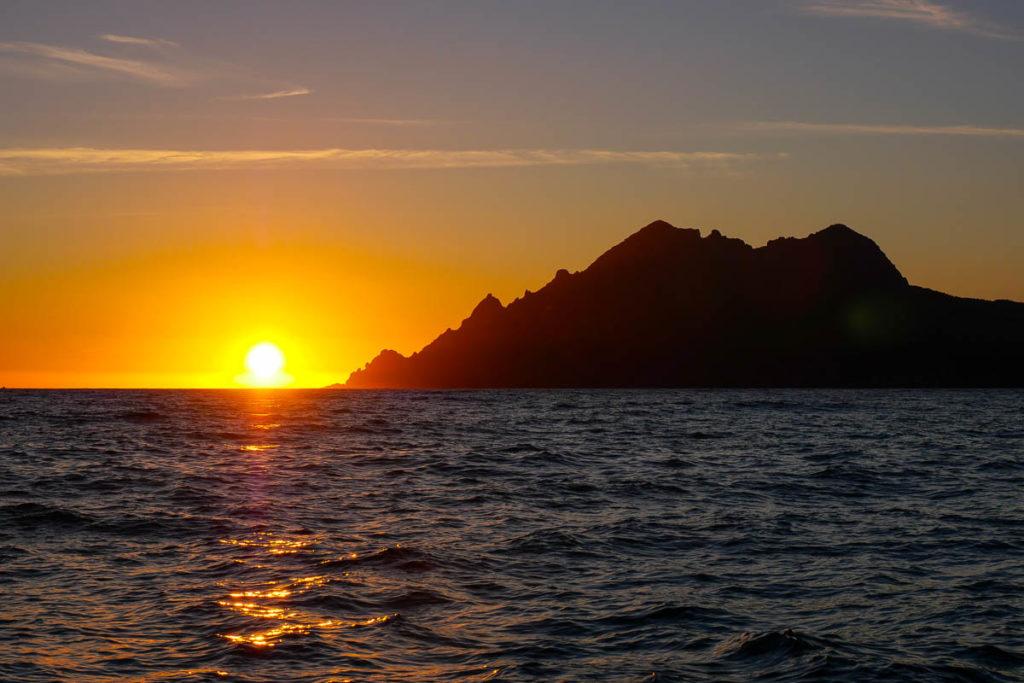 Coucher de soleil sur la mer à Porto Ota Corse France